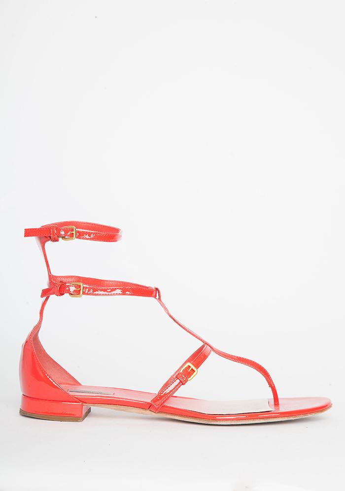 Flats/Low Heels