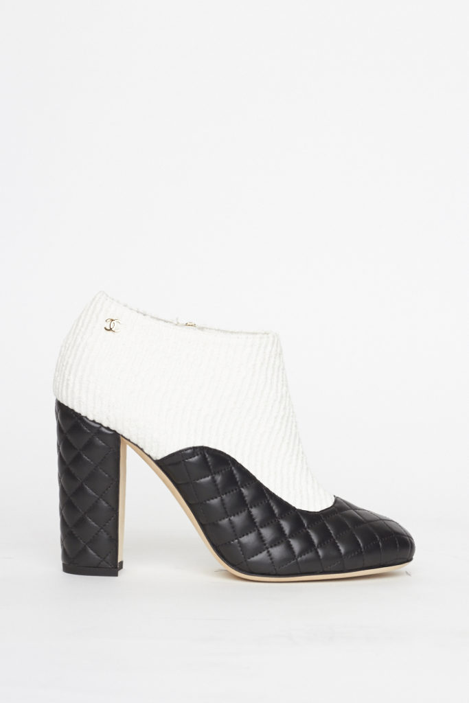 White Quilted Detail Ankle Boot / 39